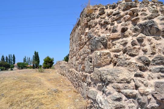Hexamilion wall